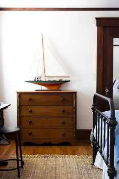 The Best Coastal Paint Colors I Finding Silver Pennies - Simply White in our Boys' Bedroom