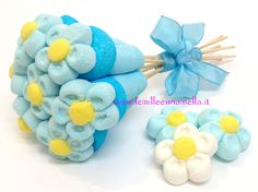 Resultado de imagen de composizioni con marshmallow Candy Bouqet, Marshmallow Cake, Brownie Pops, Edible Bouquets, Candy Cart, Candy Pop, Chocolate Covered Pretzels, Specialty Cakes, Birthday Crafts