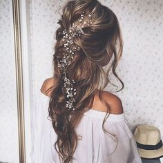 Can't look away from this gorgeous hair. Talk about romantic! #lovethis #hair…