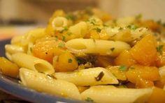 Pennette con zucca e funghi porcini - Le pennette con la zucca e i funghi porcini sono ideali da preparare se volete un piatto di pasta delicato ma saporito e nutriente, ricco di verdure.