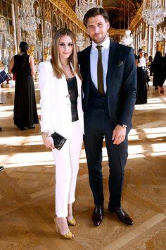 Olivia Palermo | terninho branco e acessórios dourados