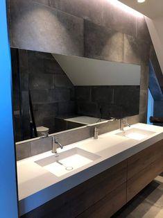 Suchen Sie einen Spiegel für das Badezimmer, das Wohnzimmer oder den Flur? Wir fertigen alle Spiegel individuell an. Mit den Abmessungen bestimmen Sie die Größe. 🤩  #spiegel #silber #nachmass #style #badezimmer #inspiration #style #design Bathroom Lighting, Mirror, Furniture, Design, Home Decor, Mirrors For Bathrooms, Living Room, Bathing, Bathroom Light Fittings