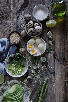 Ensalada de quinoa, aguacate y espárragos a la plancha   Quinoa, avocado and roasted asparragus salad http://saboresymomentos.es