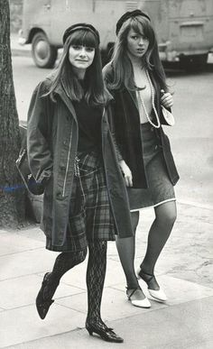 paradefantome:  Yorkville Village, 1967.