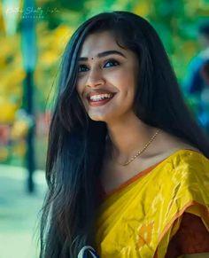 Most Beautiful Bollywood Actress, Bollywood Actress Hot Photos, Beautiful Girl Indian, Gorgeous Women, Long Skirt And Top, Actress Bikini Images, Cotton Saree Blouse Designs, Indian Girls Images, Lovely Smile