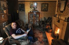 Here's Aaron Whiteside relaxing at home. | This Man Spent £10,000 Taking His House Back To The 1930s