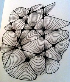Zentangle By Rikke Poulsen Pattern : Cockles 'n' Mussels. Notice how much the pattern is enriched by shading. Tangle Doodle, Tangle Art, Zen Doodle, Doodle Art, Zentangle Drawings, Doodles Zentangles, Doodle Drawings, Doodle Patterns, Zentangle Patterns