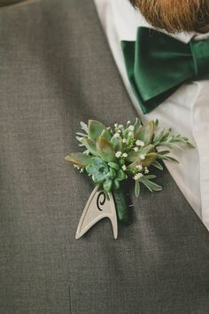 Or fasten truly enterprising Star Trek tokens to them. | 27 Wedding Ideas Every Type Of Geek Getting Married Will Love