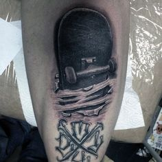 Take a look at more skateboarding tattoos on the Paperchasers Ink - urban tattoo magazine website. if you have some cool tattoos that you want to send us or you want to join the magazine movement then visit the website ❤❤❤ Tatoo Skate, Skateboard Tattoo, Chicano Style Tattoo, Chicano Tattoos, Back Tattoo, I Tattoo, Cool Tattoos, 2pac Tattoos, Urban Tattoos