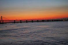 - Puente que une las provincias de Chaco y Corrientes , Argentina . Cuando no existia el puente , se realizaba el cruce en balsa . . .  @swami1951