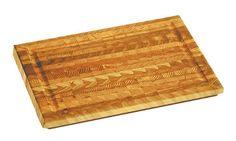 木の美しさを活かした「まな板」は料理の道具にこだわる人にも人気のあるツールですが、カナダのメーカー「Larch Wood」が製作するまな板は、木が持つ年輪の模様が表面に浮き出るように加工された芸術