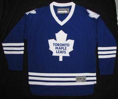 Men NHL Reebok Toronto Maple Leafs Home Jersey Real Crests sz Small #Reebok #TorontoMapleLeafs Toronto Maple Leafs, Crests, Nhl, Reebok, Tops, Family Crest