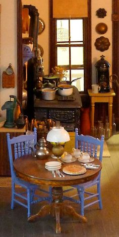 20 My First Victorian [Dollhouse] Miniature Rooms, Miniature Kitchen, Miniature Houses, Miniature Furniture, Dollhouse Furniture, Victorian Dolls, Victorian Dollhouse, Victorian Kitchen, Minis