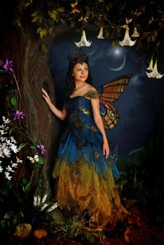 I gotta make this! Peacock fairy. I tell you, Renn Faire in Wentzville, MO just isn't long enough!
