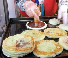 hottock, brown sugar syrup filled pancakes, a popular seoul street snack