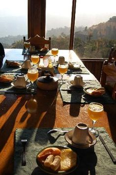 The Vista Verde Lodge is perched up in the mountains of Costa Rica, in San Gerardo, in the Puntarenas Province. Puntarenas, Lodges, Costa Rica, Hotels, Santa, Mountains, Cabins, Bergen