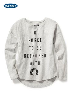 You don't need to be a Jedi to sense that this girls Star Wars T-shirt's messaging is on point. It's the perfect top for your little Leia to rock on family movie night.