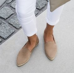 #Myrinesloves slipon's with our slimfit 'clement' in white for a supertrendy look.