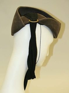 """[label] """"Original/Roberta Bernays"""", late 1930's. Amazing asymmetrical design, with a clever scarf trimming. Right view."""