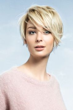 This Cool short pixie blonde hairstyle ideas 108 image is part from 150 Cool Short Pixie Blonde Hairstyle that Must You Try gallery and article, click read it bellow to see high resolutions quality image and another awesome image ideas. Haircuts For Round Face Shape, Short Hair Cuts For Round Faces, Short Hairstyles For Thick Hair, Pretty Hairstyles, Curly Hair Styles, Hairstyle Ideas, Short Haircuts, Haircut Short, Fine Hairstyles