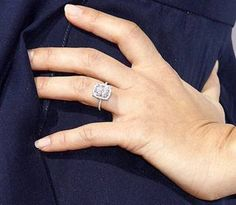 Jessica Alba engagement ring  #ring #engagement #diamond #bling