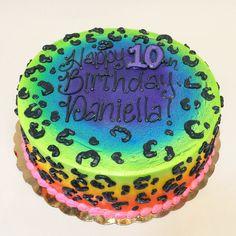 Rainbow Leopard Cake | by Creative Cakes - Tinley Park Cheetah Birthday Cakes, Leopard Birthday, 7th Birthday Cakes, Birthday Ideas, Birthday Parties, Cheetah Print Cakes, Leopard Cake, Leopard Party, Beanie Boo Birthdays
