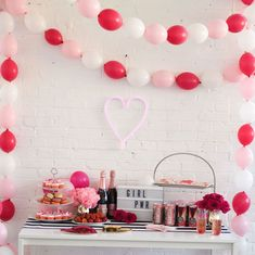 Lets throw a Galentines Day party! Our Valentine's Day themed party has everything to throw the perfect event! Let's Party! Valentines Day History, Valentine Theme, Valentines Day Party, Love Valentines, Kids Party Games, Games For Kids, Galentines Day Ideas, Recruitment Themes, Day Plan