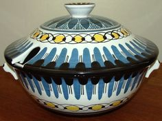 Norsk Keramikk produsert mellom 1942 og 1967.(Norwegian pottery produced between 1942 and 1967). Scandinavian, Pottery, Ceramics, Norway, China, Ceramica, Ceramica, Ceramic Art, Clay Crafts