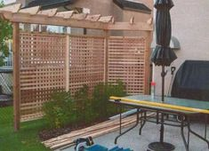 Privacy screens for decks