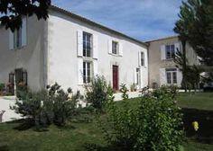 Propriété avec Chambres d'hôtes à vendre à Courcelles en Charente-Maritimes
