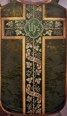 NEG022-19  Chasuble  Dutch  Fabric: 18th century  Cross: late 19th century