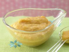 Möhrenbrei mit Lachsfilet - Mittagsbrei ab 9. Monat - smarter - Kalorien: 203 Kcal - Zeit: 20 Min. | eatsmarter.de