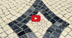 A ideia é simples; fazer um QR Code, uma da mais inovadoras tecnologias do SEC XXI, com pedras de calçada portuguesa, uma das mais antigas tradições portuguesas. Da fusão da tecnologia e da tradição histórica nasce uma forma inovadora de promover Portugal lá fora e de fornecer conteúdos culturais e relevantes para os turistas que visitam o Chiado.