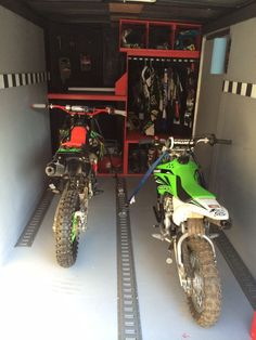 27 Super Ideas for dirt bike trailer ideas toy hauler Enclosed Motorcycle Trailer, Enclosed Trailer Camper, Bike Trailer, Utility Trailer, Toy Hauler Trailers, Cargo Trailers, Camper Trailers, Horse Trailers, Trailer Shelving