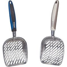 "Petco Comfort Grip Metal Litter Scoop, 14"" L X 5.5"" W X 2"" H Petco http://www.amazon.com/dp/B005L1CB8C/ref=cm_sw_r_pi_dp_a3Ldub15MZ40V"