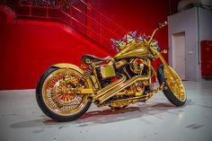 Golden Bike » 2010 Harley-Davidson Custom by Lycan - Bikers Cafe