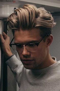 Trendy haircuts for men. : men& hairstyles for short and long haircuts . Guy Haircuts Long, Trendy Mens Haircuts, Cool Hairstyles For Men, Cool Haircuts, Fashionable Haircuts, Men's Haircuts, Medium Hair Cuts, Long Hair Cuts, Medium Hair Styles