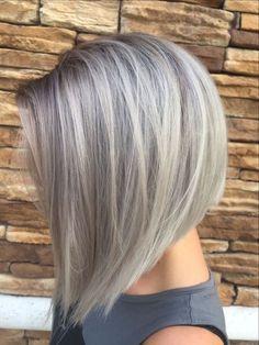 graue tönung, kurze glatte haare, dame mit bob frisur
