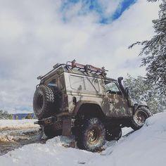 -did somebody say snow flex? no. no one said it. here is snow flex anyway...- . . . #landrover #defender #landroverdefender #defender90 #frontrunner #recaro #mulgo #rovacraft #arb #jwspeaker #ashcrofttransmissions #hiTough #runvawinch #safarisnorkel #redarc #nittotrailgrappler #lesrichmondautomotive #bellautoservices #stedi #tjm #hilift #uniden #mudstuff #onelifeliveit #aptfabrications #darche #koni #whitetiger