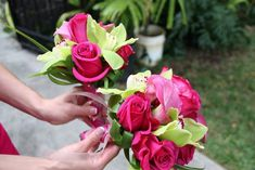 pink flowers, pink roses, bridal bouquets, bridesmaid flowers, pink wedding flowers, hot pink, flower idea, bridesmaid bouquets, green flowers