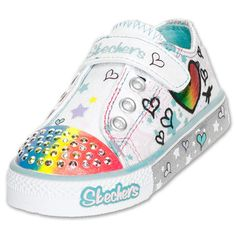 #ToddlerTuesdays Skechers Twinkle Toes at Finish Line! Shop here: http://finl.co/Rq4ngc $39.99