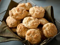 Southern Biscuits Recipe : Alton Brown : Food Network My favorite biscuit recipe! Homemade Biscuits, Buttermilk Biscuits, Blueberry Biscuits, Drop Biscuits, Making Biscuits, Wheat Biscuits, Easy Biscuits, Breakfast Biscuits, Savory Breakfast