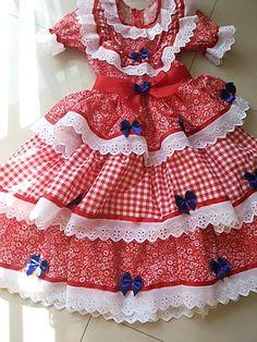 Lindos vestidos , para festas juninas , confeccionados em tricoline, com detalhes em Bordado Ingres e fitas. tenho tamanhos 1,2,3,4,6,8, 10 e 12 anos.
