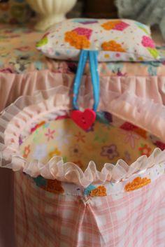 Rosiña arts: Thread catcher bags