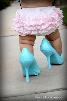 Look at those legs!!! Lots of cute picture ideas for little girls!