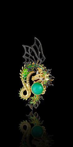 Master Exclusive Dragon Pendant 6486. Collection: Mysticism - 18K yellow and white gold, chrysoprase 6,23 ct, diamonds, black diamonds, demantoid, tsavority, enamel.