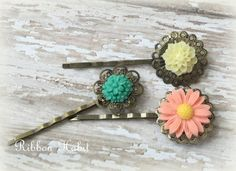 Hair Pins Set of 3 Flowers in Peach Yellow by Ribbonhabit on Etsy