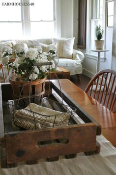 Dining Room Centerpiece, Dining Room Table Centerpieces, Centerpiece Ideas, Table Decorations, Rustic Centerpieces, Farmhouse Dining Room Table, Dining Table, Farmhouse Decor, Farmhouse Windows