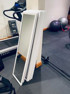 Home Gym Basement, Home Gym Garage, Diy Home Gym, Gym Room At Home, Home Gym Decor, Gym Mirror Wall, Home Gym Mirrors, Diy Mirror, Workout Room Decor