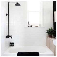 SnapWidget | I'm definitely going to go with matte black for my next bathroom remodel. That's one trend I can embrace whole heartedly Don't you love it? @mr.frag #bath #bathroom #bathinspo #bathroomdesign #homeinspo #interiordesign
